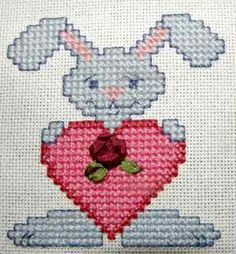 FREE Sweet valentines cross stitch card for you to stitch from http://www.needlework-tips-and-techniques.com