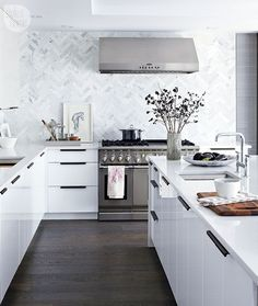 Stunning kitchen renovation {PHOTO: Virginia MacDonald}                                                                                                                                                                                 More