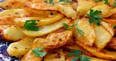 Super večera za pár eur: Pečené zemiaky s gréckym jogurtom máte hotové ra… Potato Recipes, Vegetable Recipes, A Food, Food And Drink, Croatian Recipes, Oriental Food, Russian Recipes, Gluten Free Recipes, Potato Salad