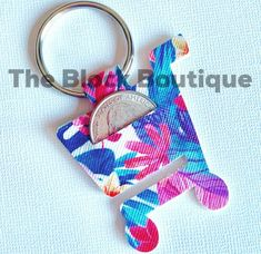 Template for Faux Leather Shopping Cart Buggy Quarter Aldi's Keychain Pattern Template! Monogram Keychain, Diy Keychain, Leather Keychain, Leather Pouch, Leather Earrings, Keychain Ideas, Leather Wallets, Leather Bags, Leather Jewelry