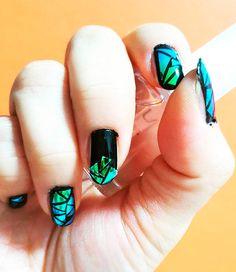 модные ногти 2016 эффект разбитого стекла черно-зеленый