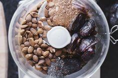 Healthy Vegan Cacao & Almond Truffles