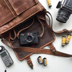 The holy grail of Leica and Hasselblad pairs perfectly with @chrisisham's Leather Prince Street messenger bag.  Tap the link in our profile to check it out the Prince Street or visit onabags.com/store. by onabags