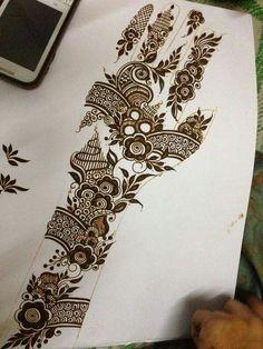 Henna Tattoo Designs Arm, Rose Mehndi Designs, Arabic Henna Designs, Legs Mehndi Design, Back Hand Mehndi Designs, Latest Bridal Mehndi Designs, Modern Mehndi Designs, Mehndi Designs For Girls, Mehndi Design Photos