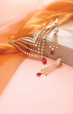 Queen of Hearts by Tanishq - Diamond Jewellery Collections Ruby Necklace Designs, Jewelry Design Earrings, Ruby Jewelry, India Jewelry, Gold Jewellery Design, Jewelery, Gold Jewelry, Indian Wedding Jewelry, Bridal Jewelry