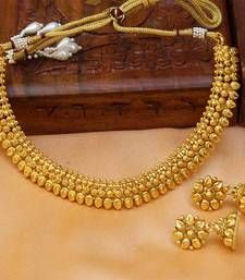 Black friday deals and offers mirraw Buy Gorgeous gold plated plain necklace set necklace-set online Gold Chain Design, Gold Ring Designs, Gold Bangles Design, Gold Earrings Designs, Gold Jewellery Design, Necklace Designs, Gold Necklace Simple, Gold Jewelry Simple, Necklace Set