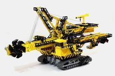4-foot-long LEGO Technic ER-1250 bucket wheel excavator [Video]