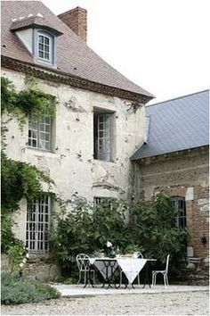 Did someone say French Home?