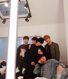 🌻stray kids🌻- han, changbin, hyunjin, woojin, seungmin & I. Lee Min Ho, Kim Woo Jin, Fandom, K Idol, Lee Know, Boyfriend Material, Minho, Boy Groups, Korea