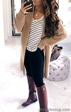 24 pretty fall outfits ideas for women that looks cool 30 pretty fashion outfits for women fashion outfits pretty women Winter Outfits Women, Cute Fall Outfits, Casual Winter Outfits, Boho Outfits, Fashion Outfits, Fashion Fashion, Preteen Fashion, Workwear Fashion, Autumn Outfits