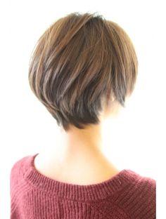 レウナ 外苑前(Reuna) 黒髪でも可愛く決まるひし形ショートボブ