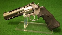 "badger-actual: ""Smith and Wesson Model 686. """