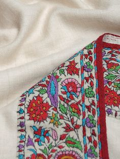Buy Cream Kashmir Pashmina Exquisite Hand Woven Embroidered All-around Border Shawl by Aditi Collection Online at Jaypore.com