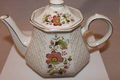 Vintage Sadler Windsor English Teapot - Basket Weave Pattern
