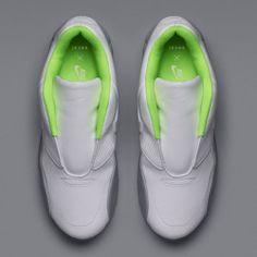 cheaper 3c5e7 02316 Nike x Sacai capsule collection Athleisure Shoes, Air Max Day, Nike  Trainers, Fashion