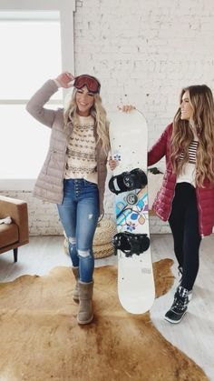 We are proudly based in Ogden, Utah. Home to the Greatest Snow On Earth! We have world-class ski resorts right in our backyard. We couldn't let the ski season pass us by without sharing our favorite ski-worthy trends. Whether you're hitting the slopes or staying warm in the lodge, we have something for you! (Casual Outfit Ideas, Cute Casual Outfits)