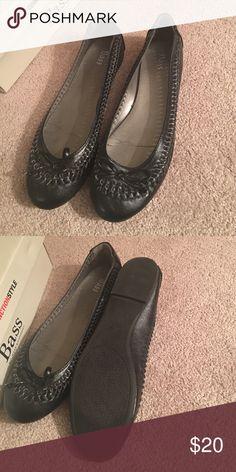 badcef07e9d4 Black flats Black flats never worn b c I m not a size 8 🙄 Shoes Flats    Loafers