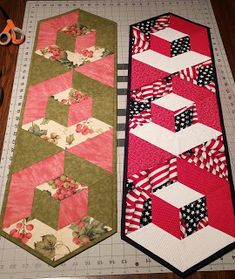 Welcome to A Hexagon - Easy Y Seams Table Runner Project Part 3 of 3 By Paco Rich It is important that you read through eve. Quilted Table Runners Christmas, Patchwork Table Runner, Table Runner And Placemats, Table Runner Pattern, Hexagon Patchwork, Hexagon Quilt, Plus Forte Table Matelassés, Tumbling Blocks Quilt, 3 D