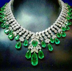 Emerald and diamond drop dead gorgeous necklace.  42.71 tcw!!