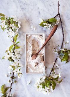 Vegan Vanilla N'Ice Cream | by VANELJA #icecream #easyrecipes #summer #banana #vanilla