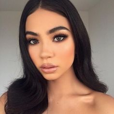 37 Casual Natural Prom Makeup Looks to Inspire You Prom - Make Up - Sultry Makeup, Natural Glam Makeup, Glam Makeup Look, Smokey Eye Makeup, Natural Prom Makeup For Brown Eyes, Soft Smokey Eye, Matte Makeup, Glamorous Makeup, Natural Beauty