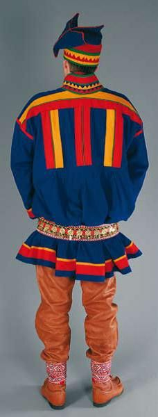 Hello all, Today I will do an overview of the costumes of the Saami people. Previously they were called Lapps, but this is not wh. Folk Costume, Costumes, Folk Clothing, Lappland, Traditional Dresses, Scandinavian, Embroidery, People, Reindeer Games