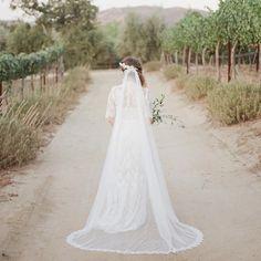 The ADRIANNA veil & CHERRY BLOSSOM hairvine styled for the Wedding Collectives first photography workshop  Photography by Katie Rose Photography ❤️  #veil #hairvine #allaboutromance #alwayshandmade