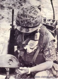 Vietnam War Helmet Graffiti | Found on militaryphotos.net
