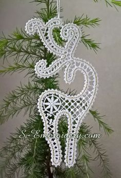 SKU 10637 - Reindeer Battenburg freestanding lace machine embroidery design for creating Christmas ornaments Crochet Snowflake Pattern, Christmas Crochet Patterns, Crochet Snowflakes, Crochet Motif, Crochet Edgings, Crochet Shawl, Lace Christmas Tree, Quilted Christmas Ornaments, Christmas Crafts