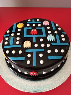 Super birthday cupcakes for men ideas Bolo Pac Man, Pac Man Cake, Pretty Cakes, Cute Cakes, Fondant Cakes, Cupcake Cakes, Bolo Naruto, Pac Man Party, Cupcakes For Men