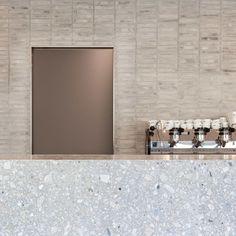 Farini Bakery, Milan, by John Pawson Bakery Interior, Cafe Interior Design, Cafe Design, Interior Design Inspiration, John Pawson, Bakery Cafe, Cafe Restaurant, Restaurant Design, Cafe Shop