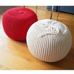 Pouf a crochet retro è un mobile che caratterizza tutta la casa. Il pouf è originale e al contempo funzionale. Ideale per salotto, design, morbido