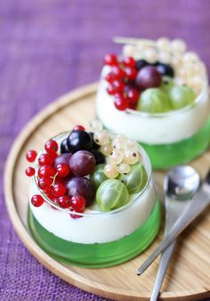"""amanatsumikan: """" Gooseberry Jelly by chick*pea on Flickr. """""""