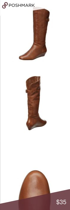 Steve Madden Incca Knee-high Pull-on Boots Gently worn. Still a lot of life in these boots. Perfect for fall and winter! Looks cute with dresses, tights, jeans and etc. Steve Madden Shoes Heeled Boots