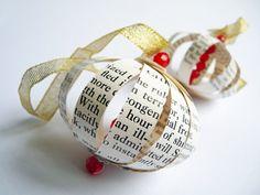 Dickens Christmas tree ornament 'A Christmas Carol'