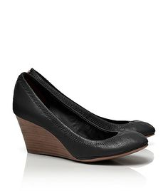 Want bad. As @Kate Schneider would say 'winter wedge'  #toryburch