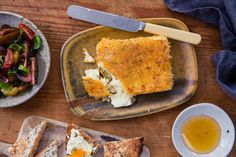 Perfect for impromptu guests, fried feta is simple and impressive. Try cutting the block into four and crumbing it, then serve as a starter for a dinner party. With a salad on the side and a good drizzle of honey, this is delicious. Miso Butter, Tomato Salad Recipes, Caramelized Onions, Feta, Fries, Yummy Food, Stuffed Peppers, Kitchens