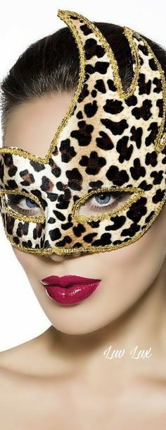 Leopard Fashion, Animal Print Fashion, Fashion Prints, Red And Pink, Pink Grey, She Mask, Tgirls, Beauty Ideas, Masquerade