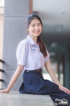 Cute Asian Girls, Beautiful Asian Girls, Cute Girls, Asian Babies, Girls Uniforms, High School Girls, Rain Wear, Cute Babies, High Waisted Skirt