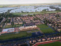 From out of a balloon: Reeuwijkse plassen, The Netherlands. Goede, winderige hardloopspot ;)