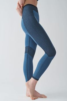 SEAMLESS PERFORMANCE LEGGINGS - blue / navy - Activewear - COS US Nylons, Active Wear For Women, Women Wear, Coats For Women, Jackets For Women, Racerback Swimsuit, Navy And Brown, Leggings, Models