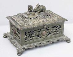 Kästchen mit Kaninchen, preuß. Eisenkunstguss, wohl Berlin, um 1840-50 fein…