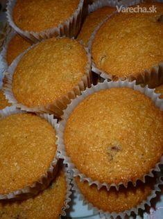 Kokosovo-mandľové muffiny - Recept 20 Min, Cupcake, Breakfast, Food, Morning Coffee, Cupcakes, Eten, Cupcake Cakes, Meals