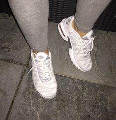 Versacelivin'♔ Source by outfits Sock Shoes, Shoe Boots, Shoes Sandals, Cute Sneakers, Shoes Sneakers, Sneakers Fashion, Fashion Shoes, Tn Nike, Baskets