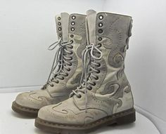 Dr-Martens-Adina-14-Eye-Leather-Boots-Gray-Butterfly-Wingtip-Size-10-US-RARE