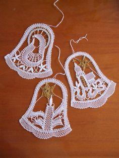 Billedresultat for bobbin lace Natal / Christmas Crochet Snowflake Pattern, Christmas Crochet Patterns, Crochet Snowflakes, Crochet Motif, Crochet Ornaments, Crochet Christmas Decorations, Lace Art, Bobbin Lace Patterns, Crochet Angels