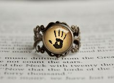 The Dark brotherhood Mysterious Note We know Vintage style Ring #gamingjewelry #treatforgeeks