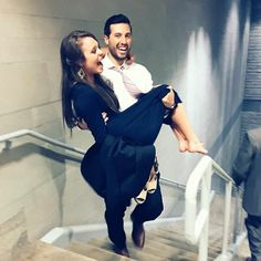 From this picture, you can obviously tell she isn't pregnant. But this could be an old picture to throw is off. Am I the only one that thinks it looks like joys wedding outfit on jinger? Idk comment below what you think. Also, who took this picture? Jinger Duggar Pants, Duggar Girls, Duggar Wedding, Jeremy Vuolo, Dugger Family, 19 Kids And Counting, Bates Family, Christian Families, Expecting Baby