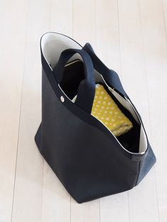 Herve, Handbag Organization, Tote Bags, Totes, Wedges, Sewing, Black, Fashion, Dressmaking
