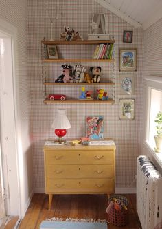 Home Decoration For Living Room Referral: 3516638265 Vintage Playroom, Vintage Room, Girls Bedroom, Bedroom Decor, Apartment Makeover, Kids Room Wallpaper, Kids Decor, Home Decor, Kid Spaces
